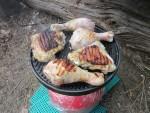 Приготовление куриных окорочков на гриль-пластине Rudyy-Italy и огне газовой горелки Rudyy