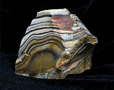 Материалом для каменного ножа может послужить кремень