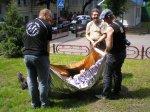 Тест спасательных покрывал Rettungsdecke от LEINA-WERKE и Tatonka на прочность, в качестве носилок для переноски раненого или травмированного человека