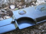 В комплект ножа Игла входят довольно удачные на наш взгляд ножны изготовленные из пластика