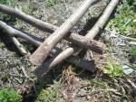 Верхнюю часть, крышу ловушки собираем из сплошного ряда тонких прутьев