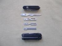 Размеры Stowaway Tools сравнительно со складным ножом Victorinox Huntsman и мультитулом Leatherman Wave