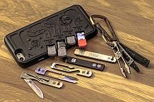 Чехлы для iPhone разработаны и производятся компанией Klecker Knives в достаточно обширной цветовой гамме