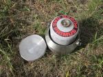 Размещение внутри походного чайника GSI Glacier Tea Kettle газового баллона