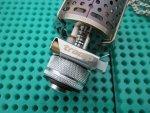 Газовая лампа Tramp TRG-014 с металлическим плафоном, пьезоподжигом, для использования с резьбовым баллоном, устройство, обзор
